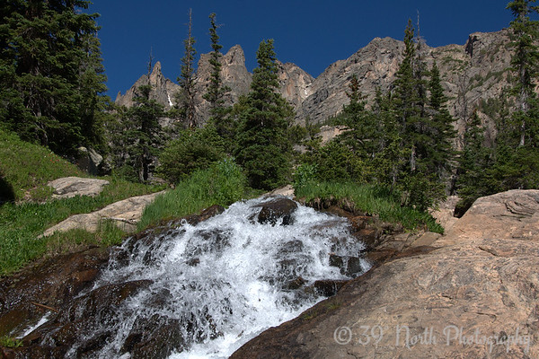 Tyndall Creek cascade between Dream and Emerald Lakes